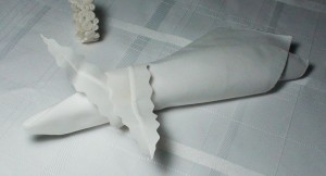 1 leaf napkin ring white