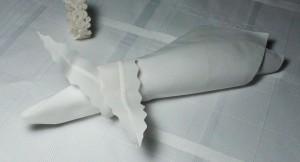 1 leaf napkin ring white